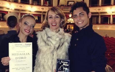 Bailarinos de Divinópolis conquistam prêmio na Itália