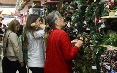 Divulgado horário do comércio Itaunense para as compras de Natal