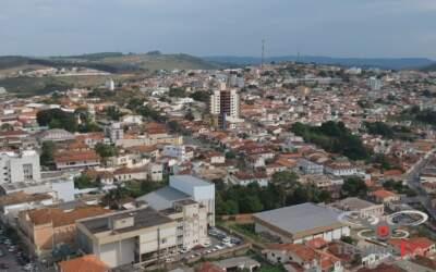 Covid-19: Com todos os leitos ocupados, Oliveira multará quem aglomerar
