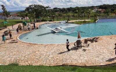 Aeronave que caiu em piscina de resort estava com CVA vencido