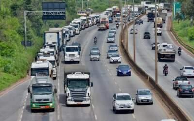 Tanqueiros entram em greve; pode começar a faltar combustível