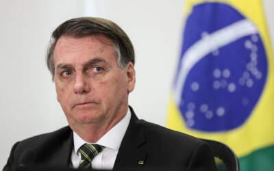 Bolsonaro recua e diz que não quis agredir outros Poderes