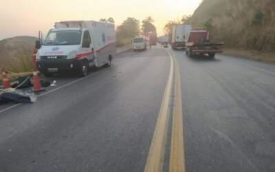 Motociclista morre na 262 após ser atropelado por caminhão