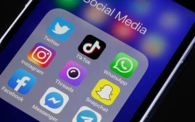 Bolsonaro edita MP que limita remoção de posts nas redes sociais