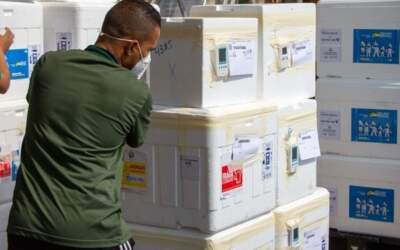 Covid: Estado envia mais de 49 mil doses de vacinas para a região