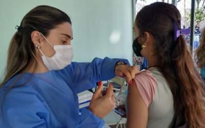 Município divulga vacinação de adolescentes