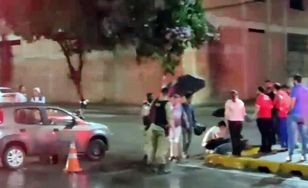 Motoboy fica ferido em acidente na Jove Soares