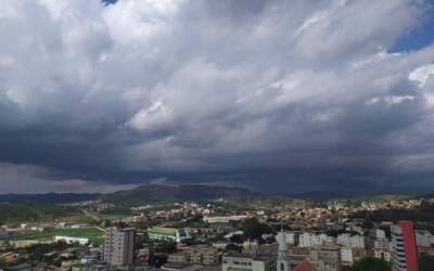 Inmet alerta para chuvas intensas em Itaúna e mais 293 cidades; veja lista